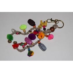 Porte clé pompons multicolores