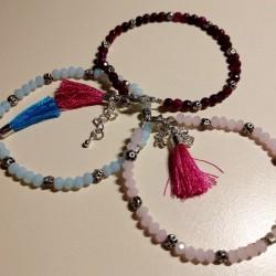 Bracelet pompon et perles de verre