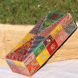 Boite ethnique multicolore