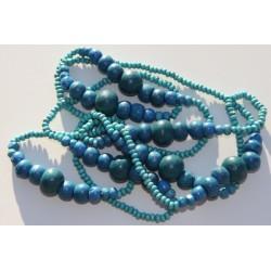 Collier de perles de bois bleu
